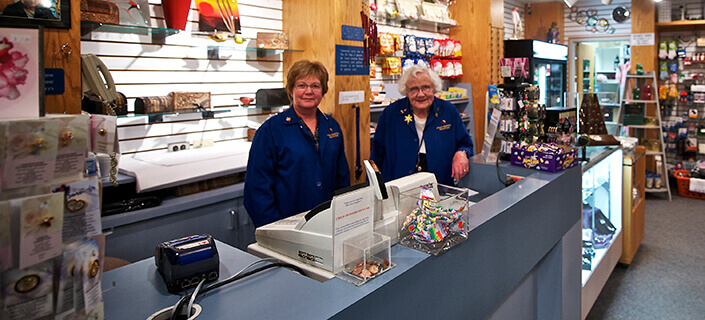 Gift Shop volunteers